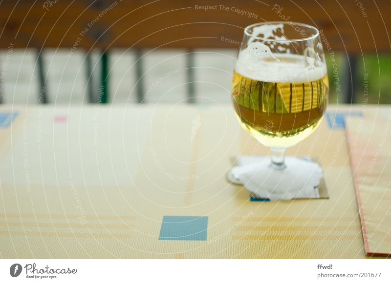 beer Beer Glass Alcoholic drinks Table Restaurant Summer Simple Delicious Yellow Gold Vice Purity Thirst Alcoholism Leisure and hobbies Beer garden Menu