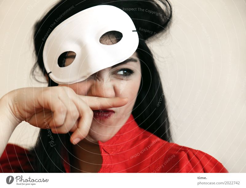 Berna Feminine Woman Adults 1 Human being Actor Mask Dress Black-haired Long-haired Observe To hold on Looking Funny Watchfulness Life Curiosity Interest
