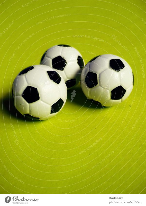 3.0 Leisure and hobbies Sports Ball sports Foot ball Round Toys Green Colour photo Multicoloured Studio shot Close-up Detail Pattern Structures and shapes