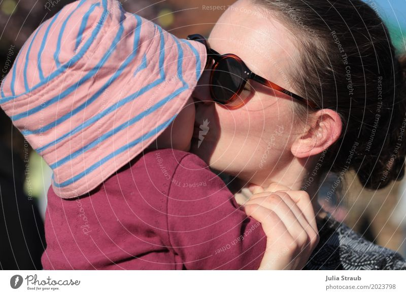 To kiss Feminine Baby Toddler Girl Woman Adults Mother Family & Relations 2 Human being 0 - 12 months 30 - 45 years Sunglasses Hat Brunette Touch To hold on