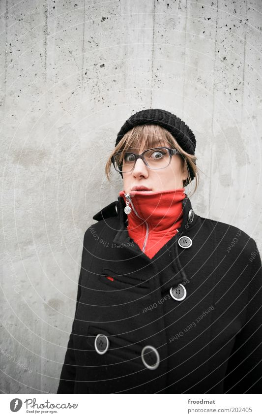 surprise Human being Feminine Young woman Youth (Young adults) Woman Adults Fashion Coat Eyeglasses Cap Brunette Looking Cold Natural Nerdy Cool (slang)