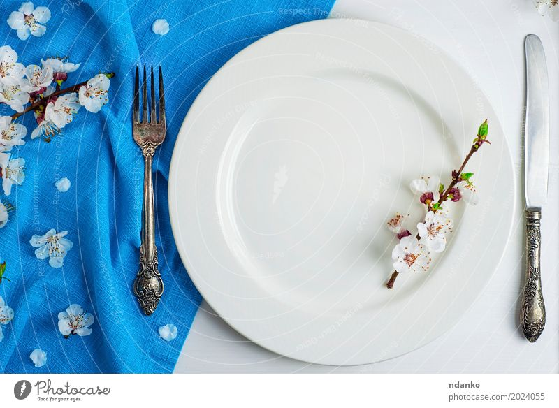 white ceramic plate with iron vintage cutlery Lunch Dinner Plate Cutlery Fork Table Kitchen Restaurant Flower Places Wood Metal Steel Old Eating Above Retro