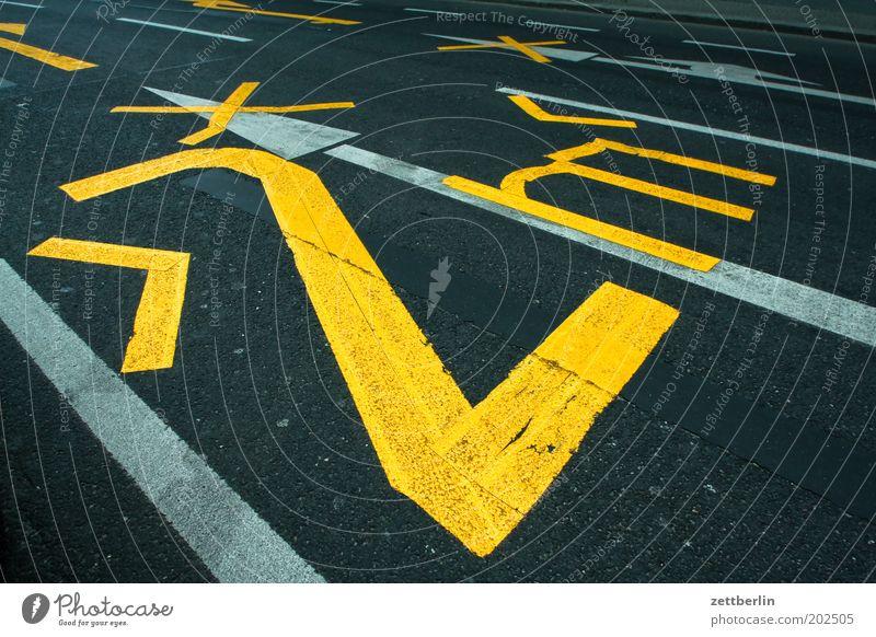 Street Road traffic Transport Digits and numbers Tracks Border Narrow Traffic lane Roadside Wide Lettering Lane markings Width
