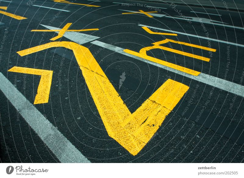 Street Road traffic Transport Digits and numbers Tracks Border Narrow Traffic lane Roadside Wide Lettering Lane markings Width