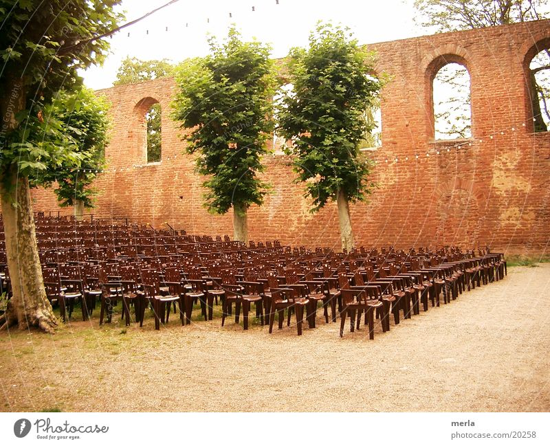 summer theatre Open-air theater Parquet floor Stage Seating capacity Tree Window Wall (barrier) Auditorium Rhineland-Palatinate Leisure and hobbies Chair
