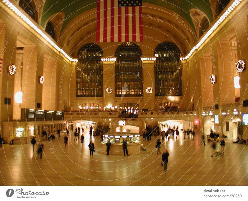 Grand Central Architecture 9:00 pm December