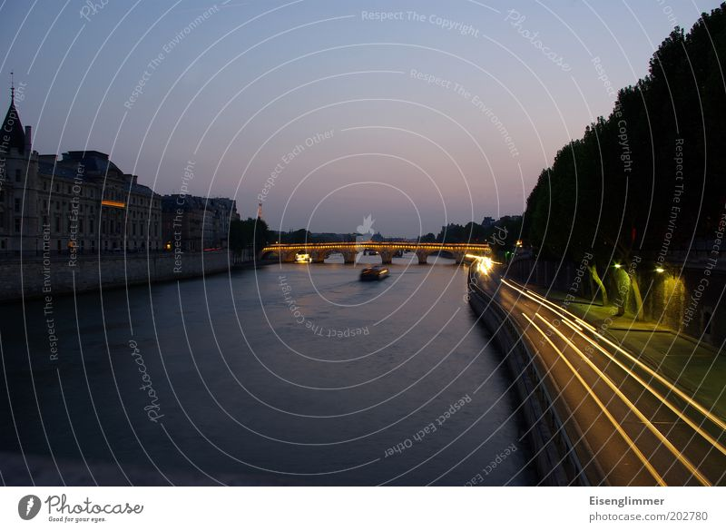 Water City Sun Summer Architecture Lighting Horizon Watercraft Bridge River Manmade structures Historic Paris Traffic infrastructure Navigation River bank