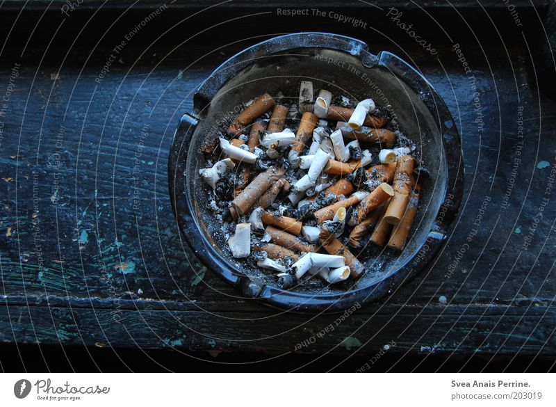 Blue Wood Dirty Round Cigarette Intoxicant Many Addiction Ashes Window board Ashtray Emotions Illness Debauchery
