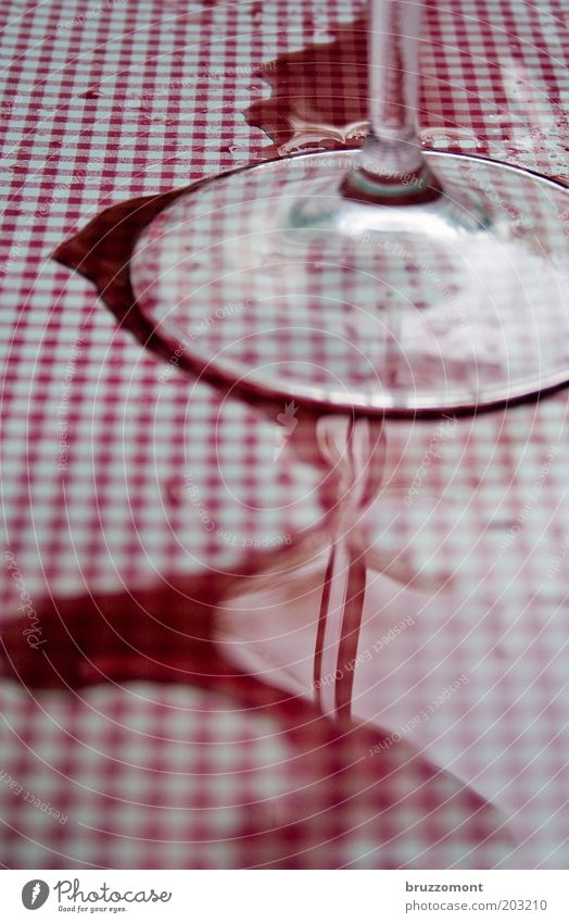White Red Feasts & Celebrations Dirty Glass Food Beverage Drinking Wine Restaurant Fluid Alcoholic drinks Patch Nerviness Checkered