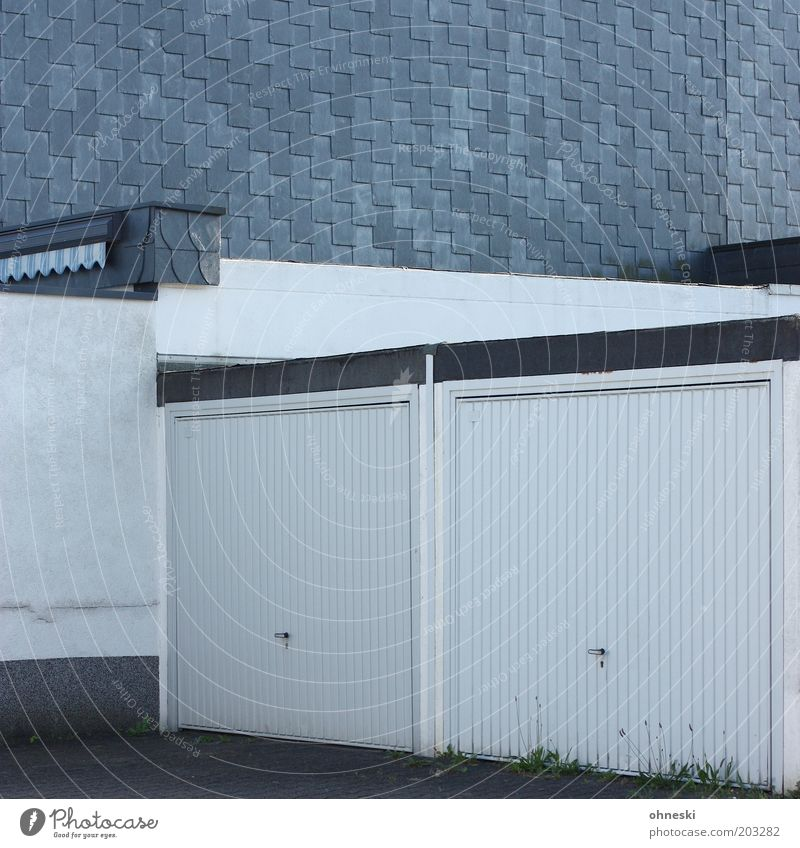 White Wall (building) Wall (barrier) 2 Facade Closed Safety Garage Garage door