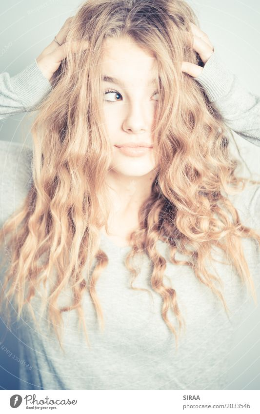 What's up Feminine Girl Young woman Youth (Young adults) Hair and hairstyles 1 Human being 13 - 18 years Blonde Long-haired Curl Contentment Stress Uniqueness