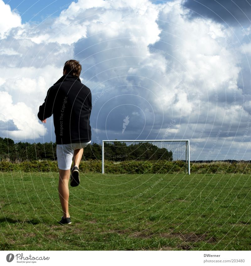 Sky Nature Youth (Young adults) Summer Adults Meadow Sports Playing Leisure and hobbies Soccer Masculine Young man 18 - 30 years Beautiful weather Fitness Goal