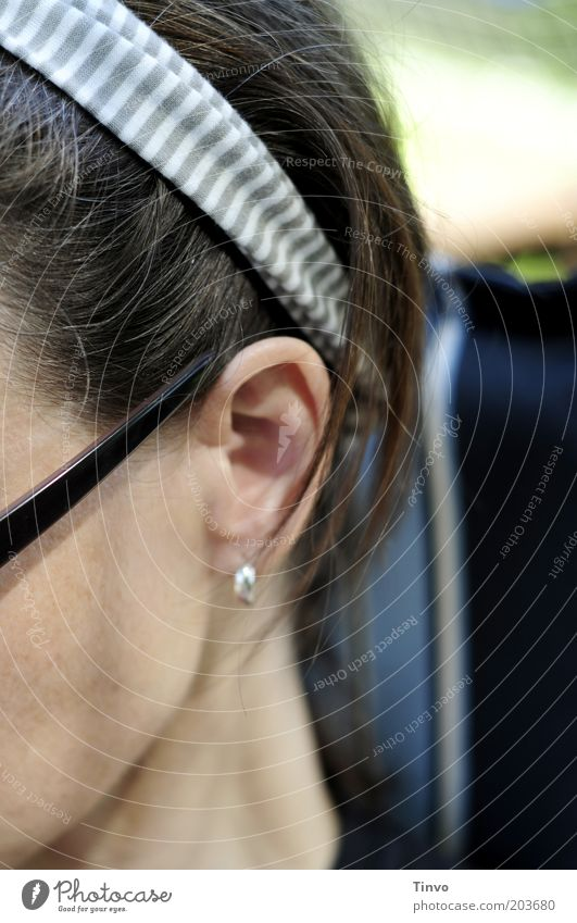 Woman Human being Feminine Garden Head Adults Sit Ear Brunette Cheek Neck Sunglasses Hair accessories Hairband
