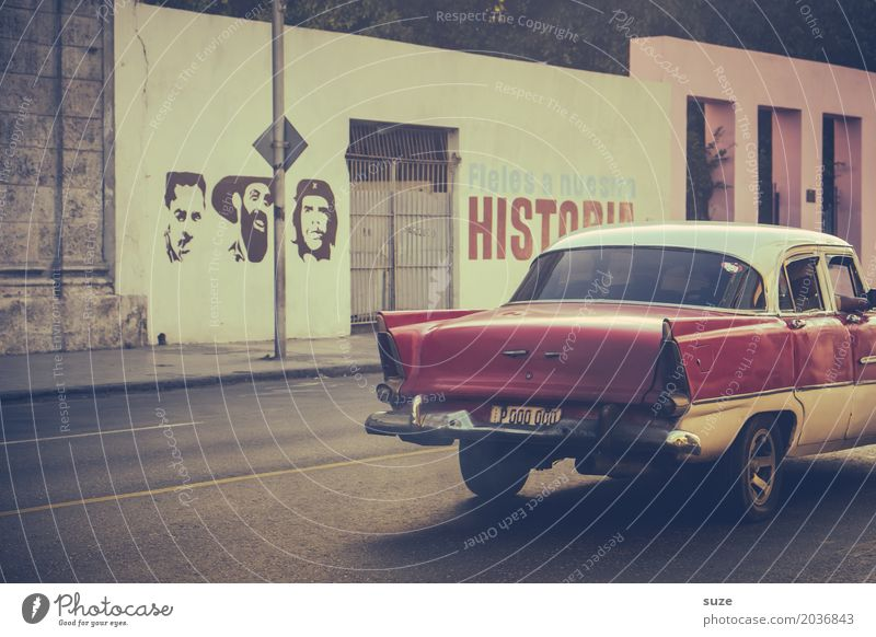 Historia Freedom City trip House (Residential Structure) Culture Town Facade Street Car Vintage car Graffiti Old Rebellious Retro Pride Politics and state Past