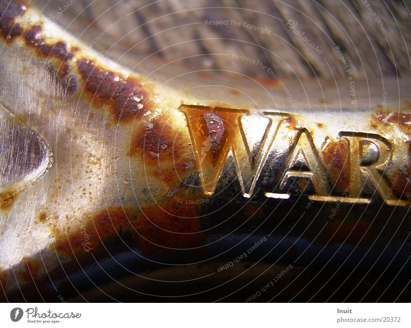 Was Bottle opener War Tin Beer Obscure Close-up Rust Peace Warsteiner