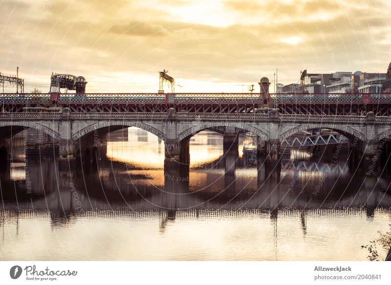 Glasgow Bridge 3 Scotland Water River Reflection Sunset Evening Clouds Vantage point clyde Panorama (View)