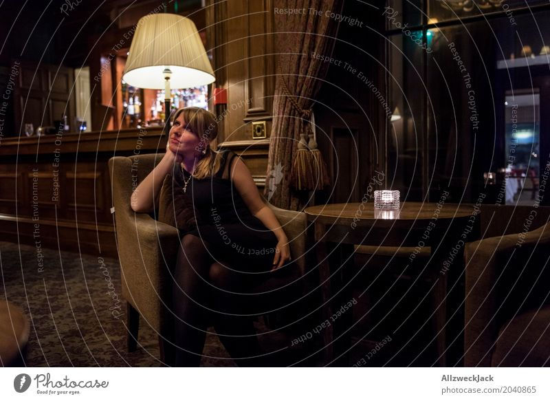 Girl in a Bar Lifestyle Luxury Elegant Style Beautiful Alcoholic drinks Interior design Night life Cocktail bar Feminine Young woman Youth (Young adults) Woman