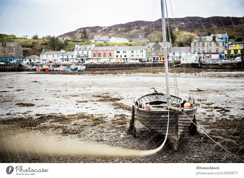 Boat at low tide 2 tarred Scotland Fishing village Port City Navigation Sailboat Watercraft Harbour Old Dirty Maritime Brown Loneliness Serene Vacation & Travel
