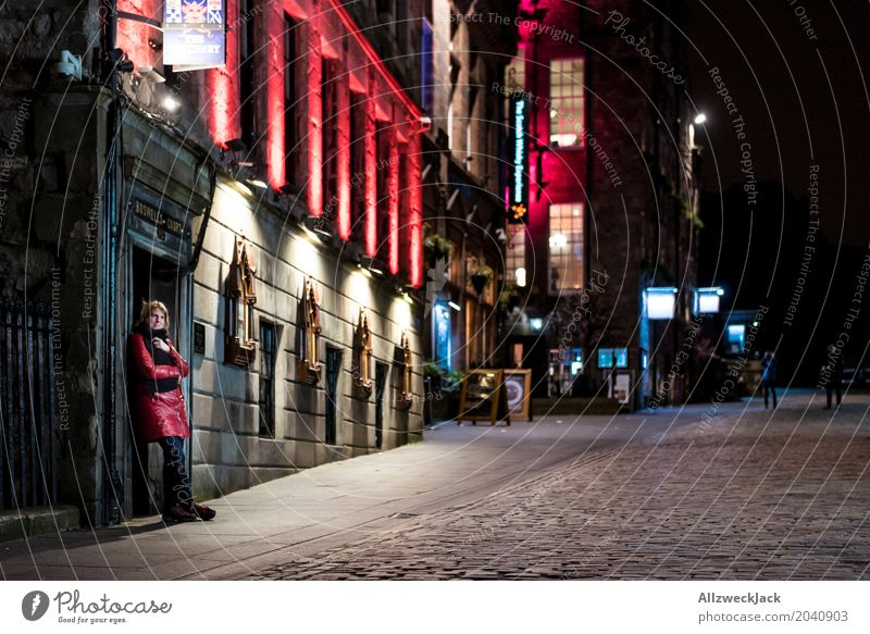 The Royal Mile at Night Vacation & Travel Tourism City trip Night life Feminine Young woman Youth (Young adults) Woman Adults 1 Human being 18 - 30 years