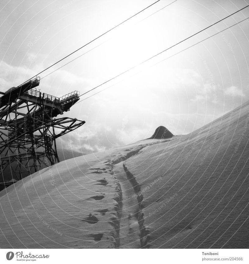 Nature Winter Clouds Sports Mountain Landscape Weather Tourism Leisure and hobbies Alps Footprint Winter sports Ski run Animal tracks Ski lift