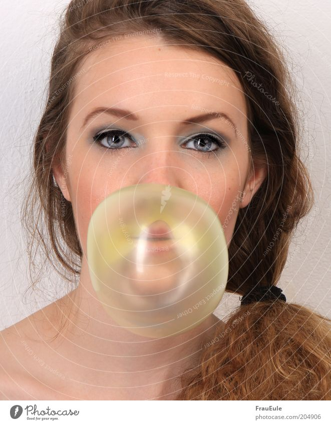 chewing gum bubble Feminine Young woman Youth (Young adults) Face 1 Human being 18 - 30 years Adults Brunette Curl Braids Funny Colour photo Studio shot
