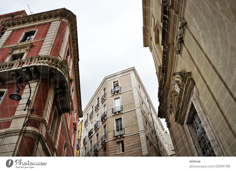 Vacation & Travel House (Residential Structure) Window Architecture Facade Elegant Communicate Perspective Uniqueness Romance Historic Claustrophobia Network
