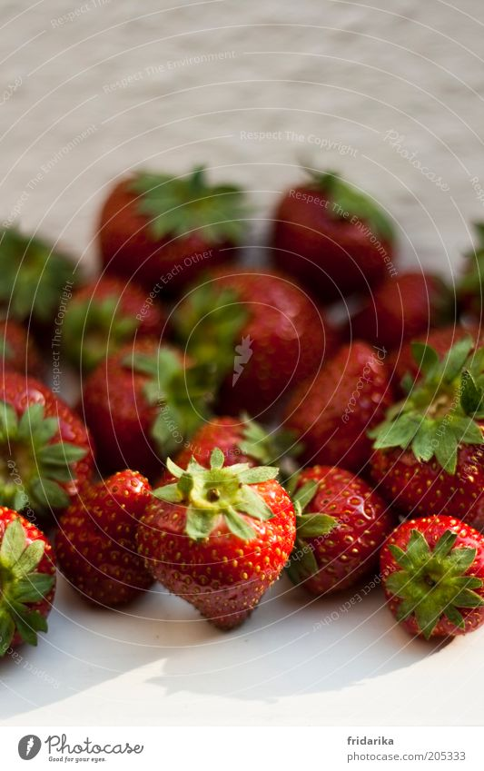 finitely strawberries Food Fruit Dessert Strawberry Picnic Organic produce Fasting Finger food Healthy Life Fragrance Fresh Delicious Sweet Green Red White