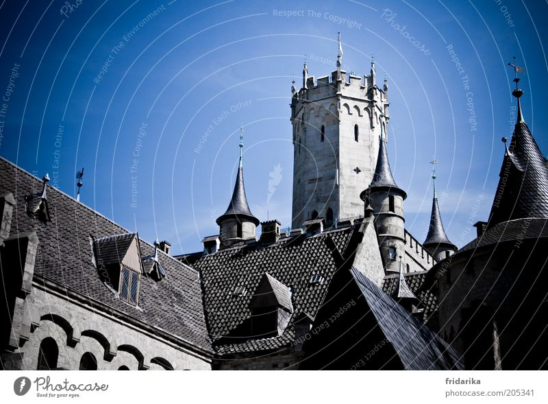 Sky Blue Wall (building) Architecture Gray Wall (barrier) Building Facade Exceptional Might Roof Point Kitsch Manmade structures Castle Past