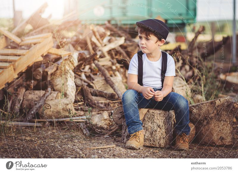 Sad child Lifestyle Freedom Human being Child Toddler Boy (child) Infancy 1 3 - 8 years Spring Field Sadness Anger Moody Concern Aggravation Frustration
