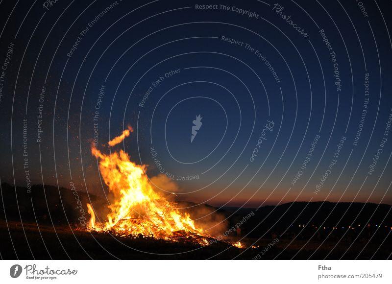 Sky Summer Emotions Environment Horizon Fire Night sky Burn Elements Flame Nature Fireplace Summer solstice Camp fire atmosphere Fiesta de San Juan