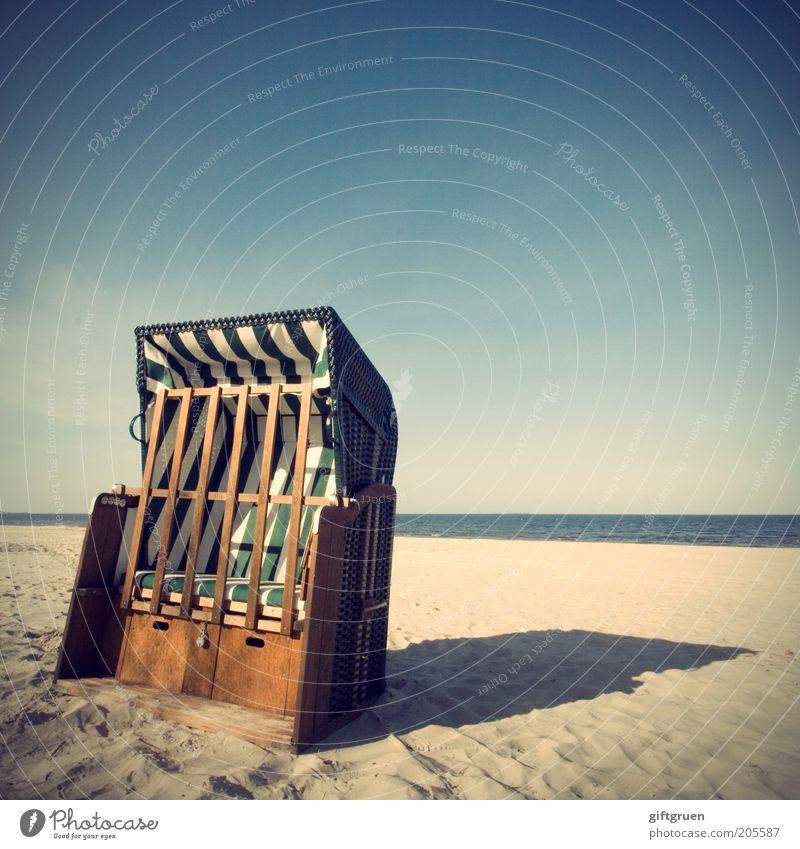 Nature Sky Ocean Summer Beach Vacation & Travel Far-off places Sand Coast Horizon Closed Tourism Leisure and hobbies Stripe Baltic Sea