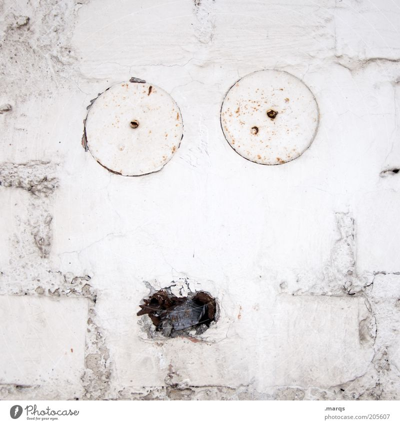 surprise Face Wall (barrier) Wall (building) Brick Old Exceptional Broken Funny Curiosity White Emotions Euphoria Surprise Fear Colour Uniqueness Creativity