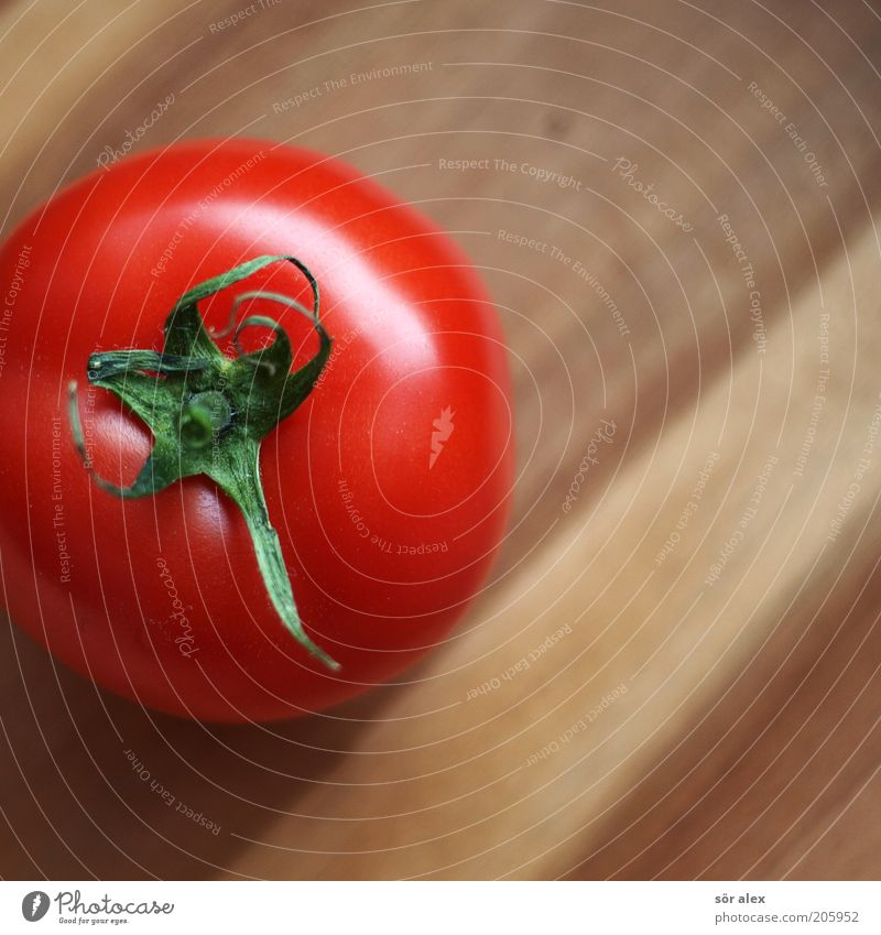 smooth skin Vegetable Organic produce Vegetarian diet Tomato Wood Fresh Natural Juicy Brown Green Red Round Healthy Eating Smoothness Biological Delicious