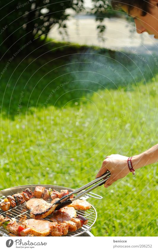 Human being Man Nature Youth (Young adults) Sun Summer Meadow Garden Lake Cooking & Baking Barbecue (event) Meat Barbecue (apparatus) Grill Steak