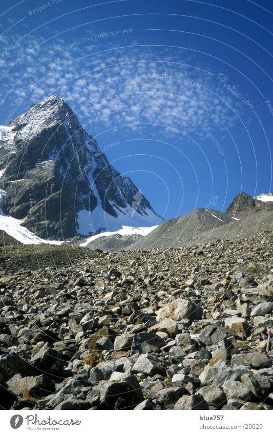 E5 Ascent Peak Gravel Clouds White Gray Mountain Alps Sky Snow Blue