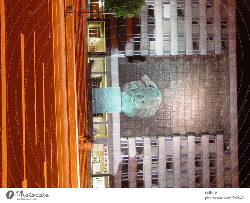 B95lastNight Chemnitz Architecture meagre marx Head
