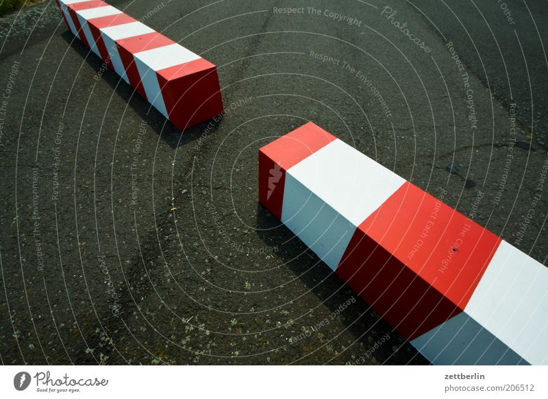 White Red Far-off places Signs and labeling Near Lie Asphalt Contact Stripe Border Geometry Barrier Construction Divide Gap