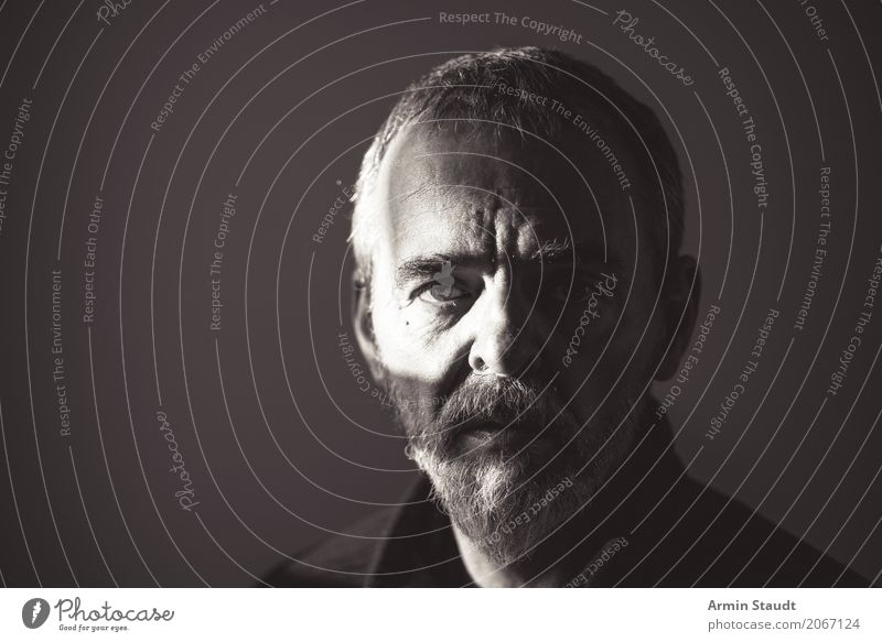 Portrait Lifestyle Style Design Beautiful Face Human being Masculine Man Adults Male senior Eyes 1 45 - 60 years Short-haired Beard Old Threat Dark Cold