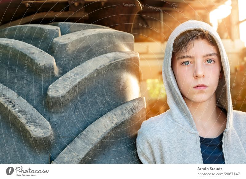 Tractor tyres - Portrait Lifestyle Style Beautiful Calm Summer Human being Masculine Young man Youth (Young adults) 1 13 - 18 years Fashion Cool (slang) Large