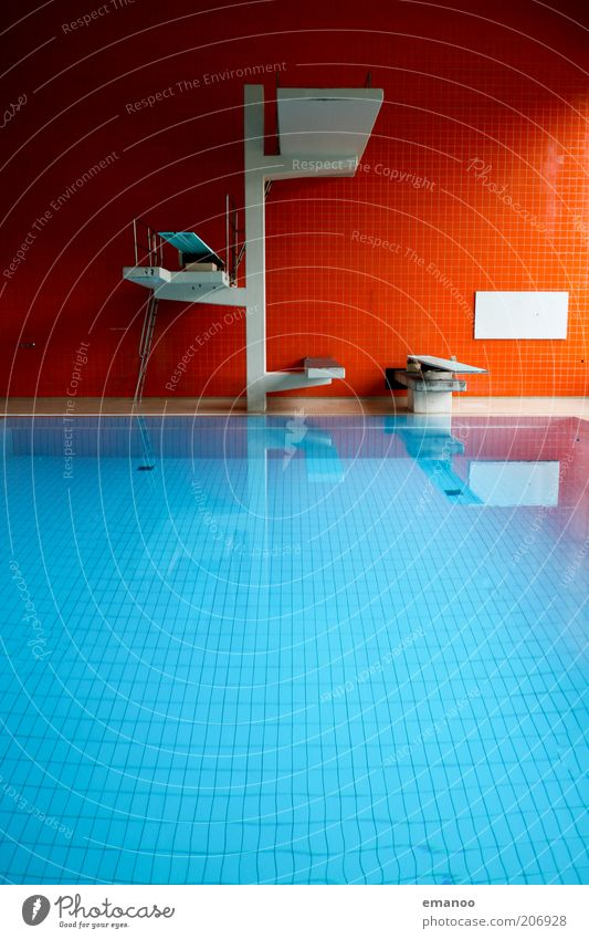 Water Blue Red Sports Swimming pool Tower Tile Aquatics Springboard Sharp-edged Reflection Surface of water Indoor swimming pool Water reflection Pool border Five meter board