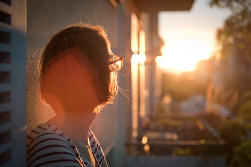 Sun deck I Human being Feminine Woman Adults Head Hair and hairstyles 1 30 - 45 years Environment Sky Horizon Sunrise Sunset Sunlight Summer Town Skyline