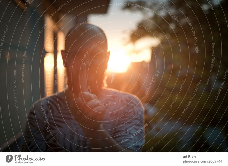 Sun deck IV Human being Masculine Man Adults Head Fingers 1 30 - 45 years Environment Sky Horizon Sunrise Sunset Sunlight Summer Town