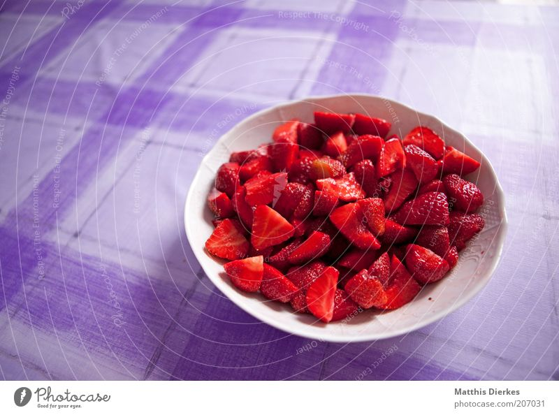 strawberries Strawberry Red Bowl Violet Interior shot Delicious Fresh Fruit salad Copy Space left Healthy Healthy Eating Fruity Dessert Vitamin C Vitamin-rich