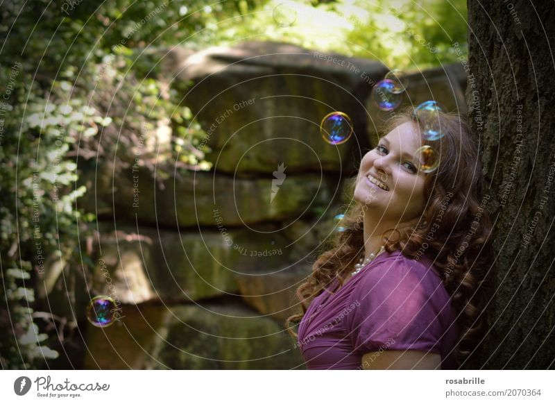 daydreams Joy Human being Feminine Young woman Youth (Young adults) Woman Adults 1 18 - 30 years Park Forest Soap bubble Brunette Red-haired Curl Observe