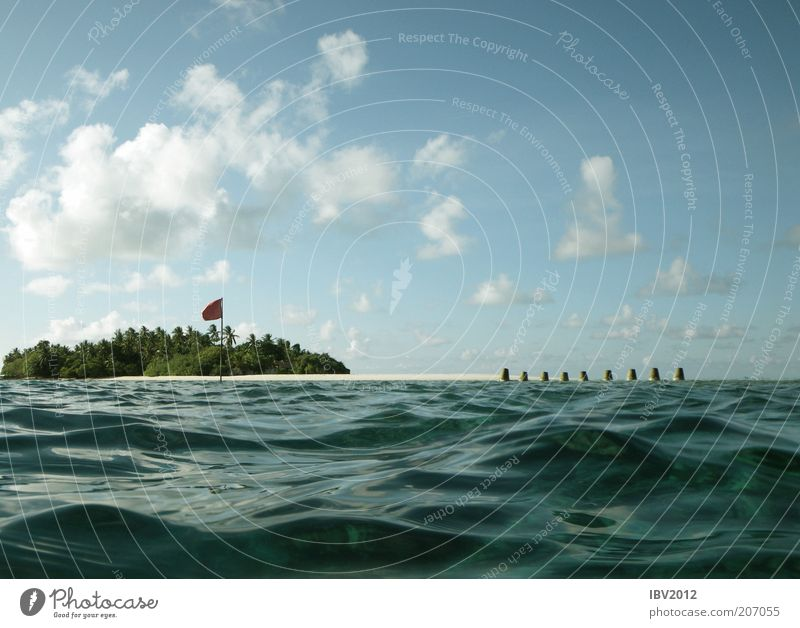 Nature Water Sky Ocean Green Blue Summer Vacation & Travel Clouds Waves Island Flag Leisure and hobbies Maldives Blue sky Surface of water