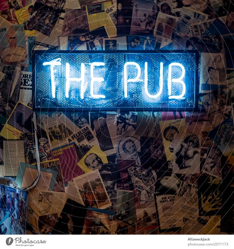 The Pub Style Lamp Night life Bar Cocktail bar Going out Feasts & Celebrations Drinking Characters Friendliness Hip & trendy To enjoy Roadhouse Neon sign