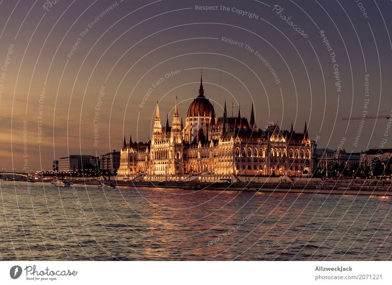 Budapest @ night 8 Colour photo Exterior shot Twilight Long shot Deserted Panorama (View) Copy Space left Travel photography Tourism Trip Hungary Capital city