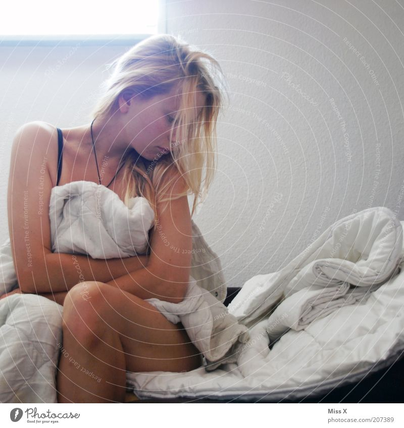 tired Bed Bedroom Human being Feminine Young woman Youth (Young adults) 1 18 - 30 years Adults Beautiful Emotions Moody Sadness Lovesickness Fatigue Longing