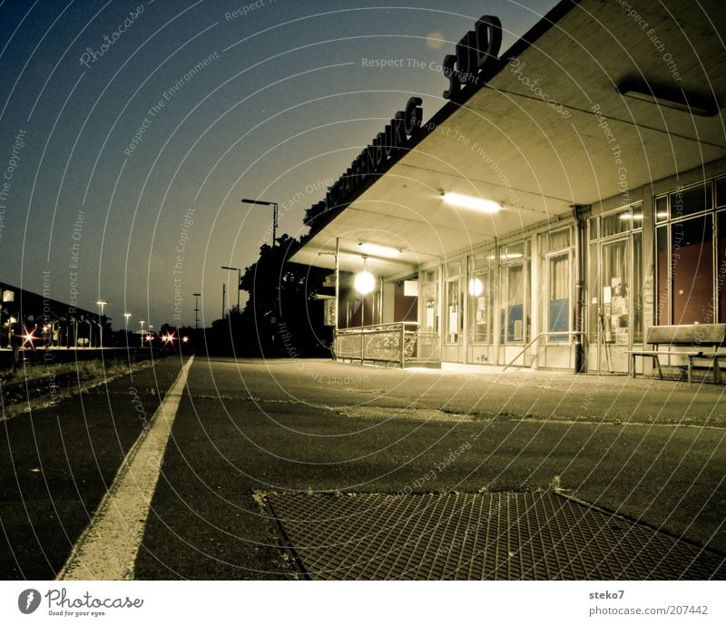 End Station II Wait Loneliness Aschaffenburg Late Subdued colour Exterior shot Night Artificial light Long exposure Deep depth of field south Train station