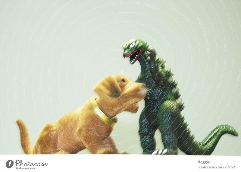 Godzilla vs. Wackeldackel Monster Film star Animal loose dachshunds Fight